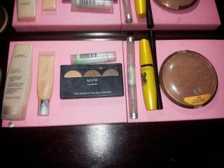 productos maquillaje esenciales
