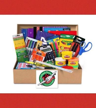 Utiles escolares para la caja de Operacion Nino de la Navidad