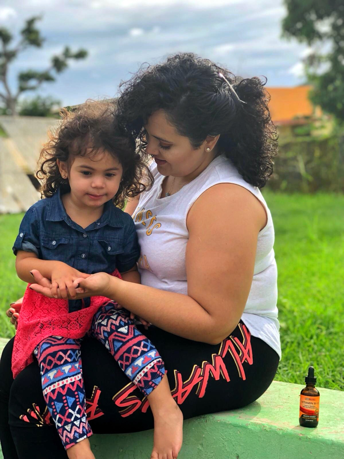 mama-e-hija-con-vitaminas-liquidas-sbr-nutrition