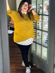 blusa colorida color mostaza para combinar